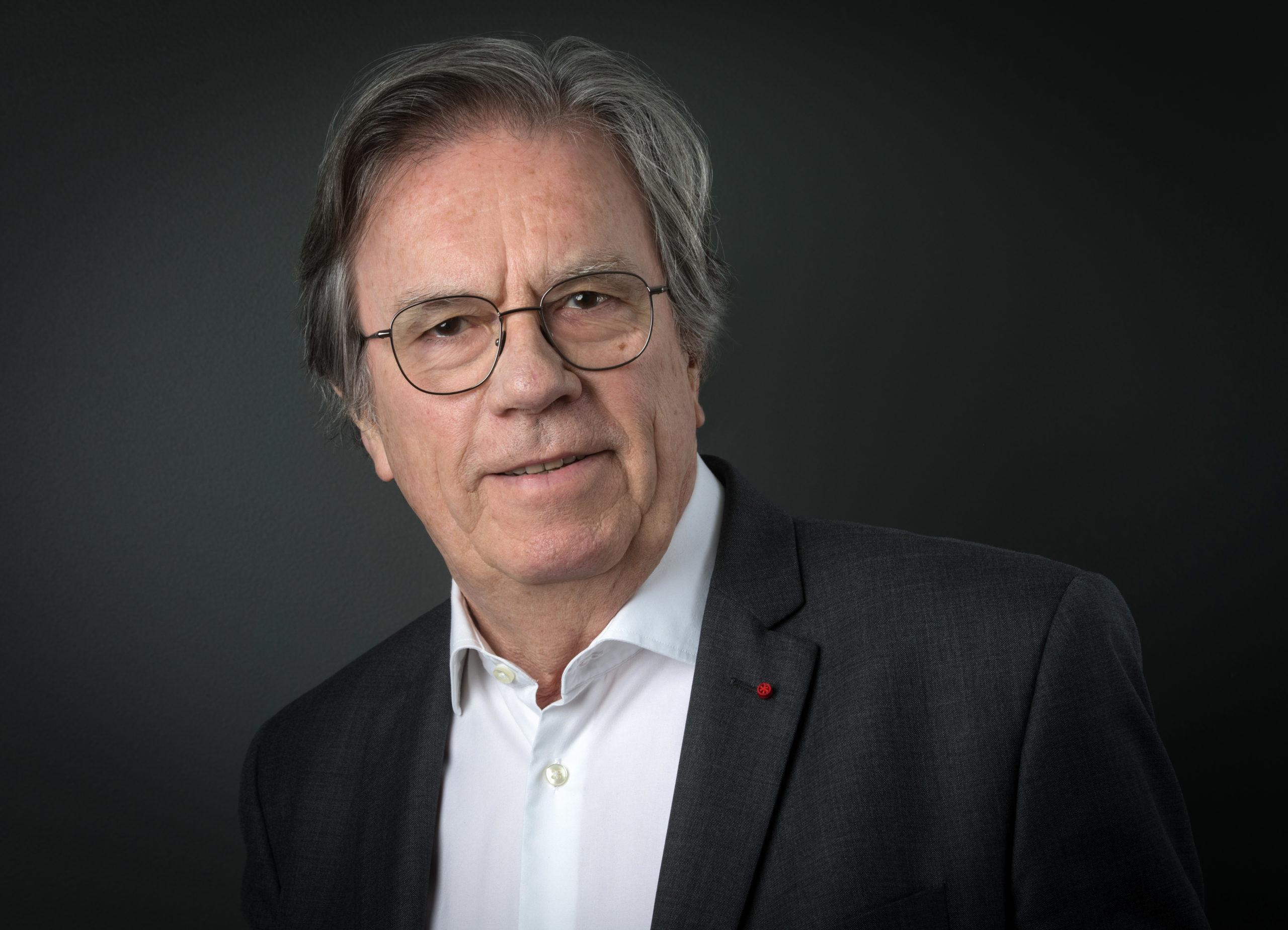 Claude ÉVIN